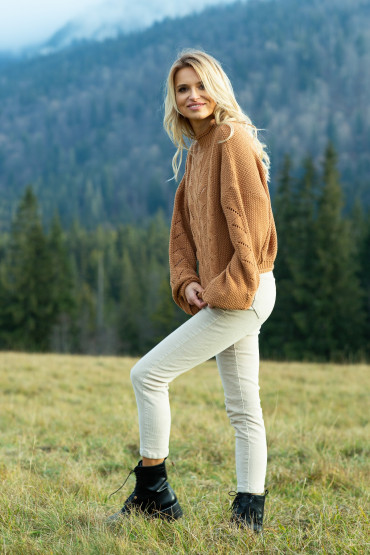 Sweter F619